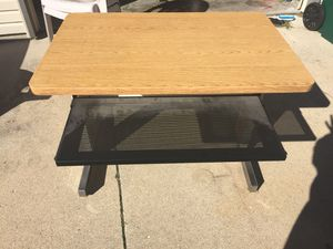 Small desk REDUCED! for Sale in Marshfield, MO