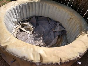 Intex hot tub for parts for Sale in Los Angeles, CA