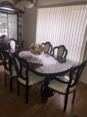 Dining room table with 6 chairs for Sale in Freehold, NJ