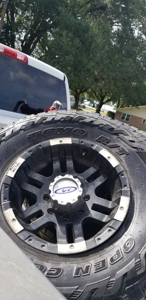 17's 35x12.50 for Sale in China, TX