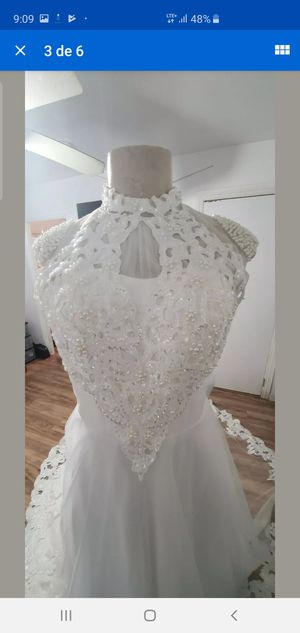 Wedding dress size 6 for Sale in Los Angeles, CA