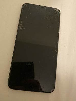 Iphone x s max the phone is working for Sale in Kent, WA