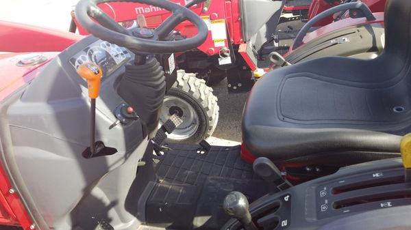 Mahindra 1526 HST for Sale in Sealy, TX - OfferUp
