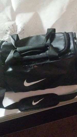 Nike duffle bag ba4517 for Sale in Norman, OK