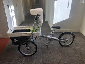Taga 2.0 Bike w Basket and Child Seat for Sale in Millcreek, UT