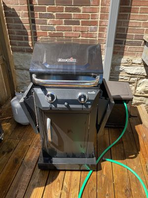 Charbroil Gas Grill and Propane Tank for Sale in St. Louis, MO