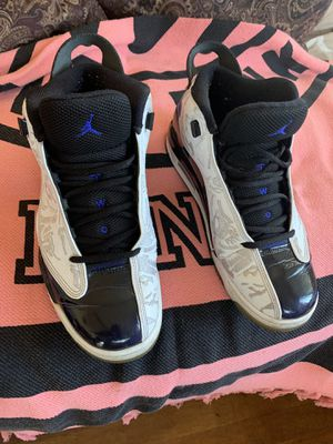 Jordan used size 9 for Sale in Stockton, CA