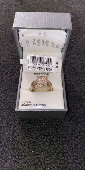 10K GOLD 1CTTW DIAMOND SIZE 7 RING SET for Sale in Dinuba, CA