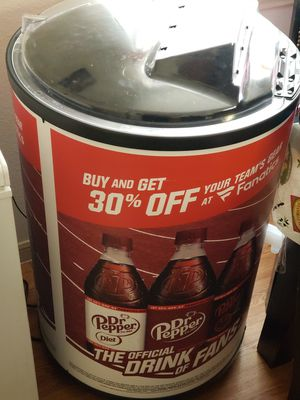 Dr.Peper Ice Chest for Sale in San Antonio, TX