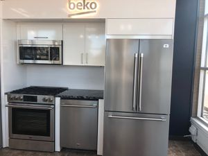 Kitchen appliance set for Sale in St. Louis, MO