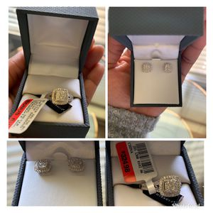 Real Diamond Ring (1/4ctw) + Marching Earrings for Sale in Fresno, CA