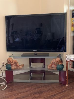 """Samsung 55"""" TV and stand for Sale in Gilroy, CA"""