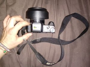 """Sony Cyber-Shot (Full HD 1080, Super Steady Shot, 10× Optical Zoom, 3.0"""" LCD Monitor, & 8.1 MegaPixels) for Sale in Chico, CA"""