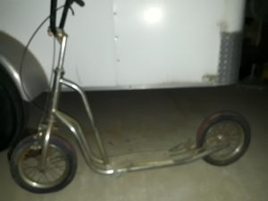 Scooter / bike for Sale in DEVORE HGHTS, CA