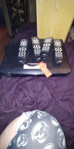 Dish network hopper with 4 remotes for Sale in Warr Acres, OK