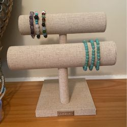 Bracelet Double Bar Organizer for Sale in Worcester,  MA