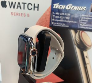 Iwatch series 5 stainless steel , ceramic 40mm , store Warranty , Safe purchase for Sale in Providence, RI