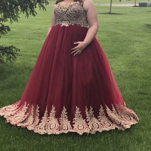 Prom Dress for Sale in Elyria, OH