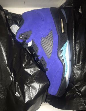 Jordan 5 Grapes 8,8,8.5 for Sale in Queens, NY
