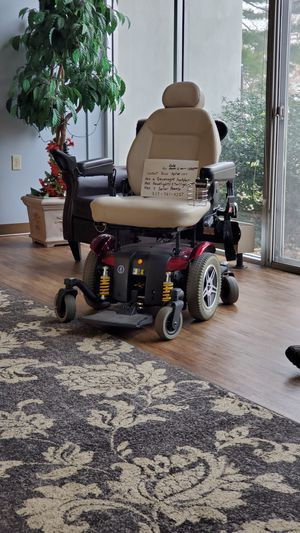 Jazzy heavy duty electric wheel chair for Sale in Southern View, IL