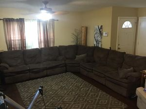 3 piece sectional couch for Sale in Round Rock, TX