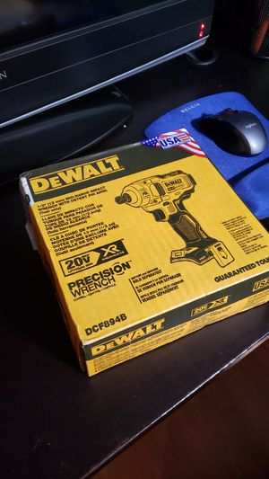 Dewalt precision 1/2 impact wrench for Sale in Marysville, WA