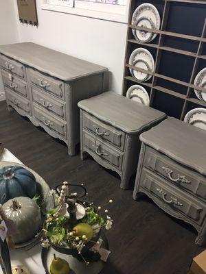 Dresser and 2 nightstands for Sale in Clovis, CA