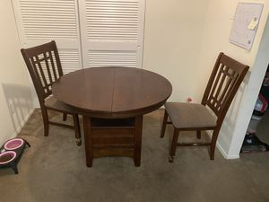 Wooden round table (expandable) with 2 chairs for Sale in Largo, FL