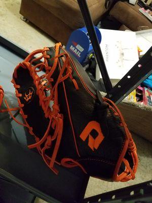 New baseball softball gloves for Sale in Roselle Park, NJ