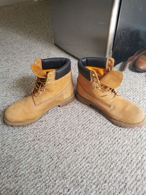 11.5 timberlands wheat. Light scuffs easily taken care of with suede brush. for Sale in Reston, VA