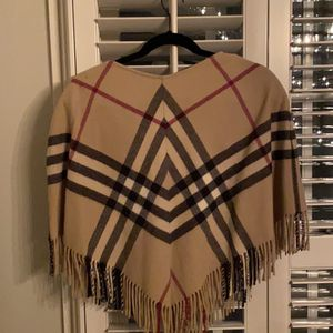 Burberry Poncho Extra Small for Sale in Naperville, IL
