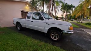 1994 Ford Ranger XLT super cab for Sale in Miami, FL
