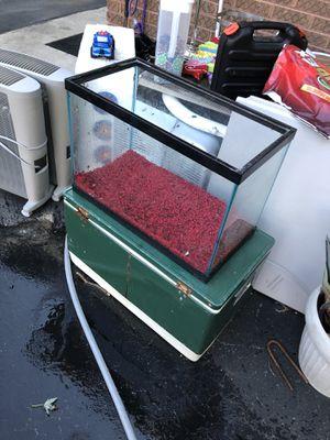 Fish tank for Sale in Morton Grove, IL