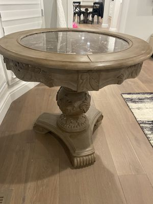 """Kitchen table and 4 chairs with 48"""" glass top included! for Sale in Bloomfield Hills, MI"""