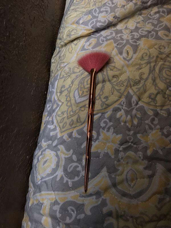 Highlight brush & mini beauty blender