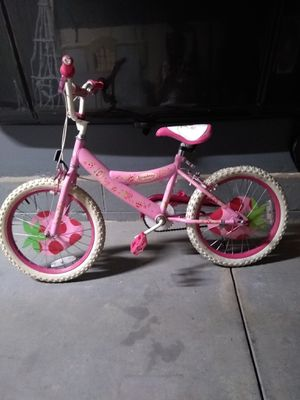 "18""- Strawberry Shortcake Bike for Sale in Middleburg Heights, OH"