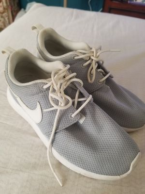 Women nike shoes size 4y for Sale in Egg Harbor Township, NJ