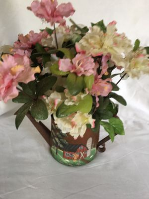 Reduced.METAL POT with pink flowers. Change to any color flowers. for Sale in Lawrenceville, GA