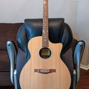 Eastman ALL SOLID AC222CE Nitrocellulose Acoustic Electric Guitar, Includes Hard Case And Certificate for Sale in Richardson, TX