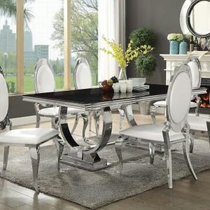 BEAUTIFUL DINING TABLE AND 6 CHAIRS for Sale in Portland, OR