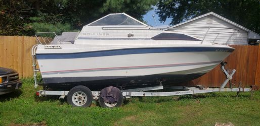 1994 Bayliner boat 22' feets for Sale in Silver Spring,  MD