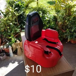 Kid's Booster Seat for Sale in Lakewood,  CA