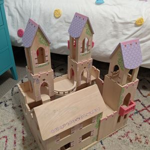 Doll House, Free for Sale in Bothell, WA