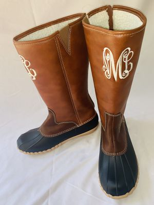 Women's Rain Boots Duck Boots Waterproof Insulated, Monogramed Brown/ Black sz 5 for Sale in Fort Worth, TX
