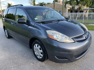 Toyota Sienna 2008 for Sale in Miami, FL