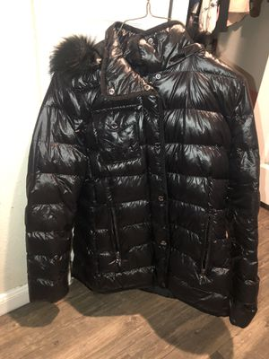 MICHAEL KORS Puffer Coat 🧥, size S . for Sale in Houston, TX
