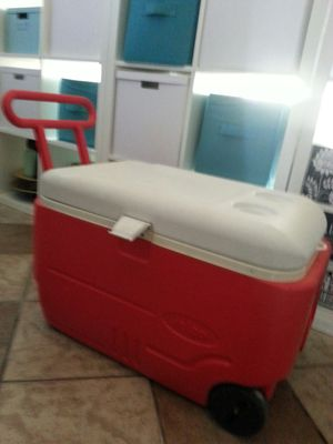 Red cooler with wheels for Sale in Las Vegas, NV