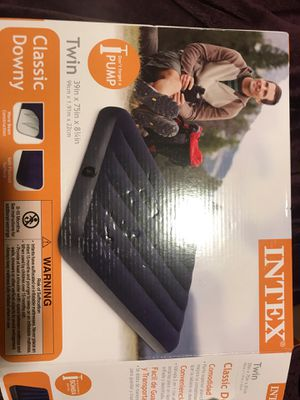 Twin inflatable mattress w/ pump for Sale in Campbell, CA