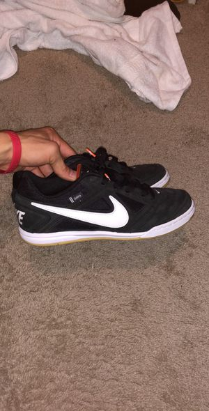 Men's Nike 8 1/2 Gato Skate Shoes for Sale in Chandler, AZ