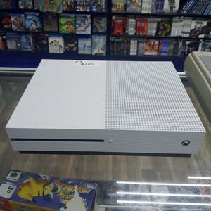 Xbox 1 S With Controller (No Back) for Sale in Pearland, TX